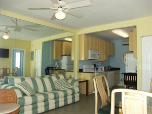 One and Two Bedroom Oceanfront Suites 8 + week stay Picture 2